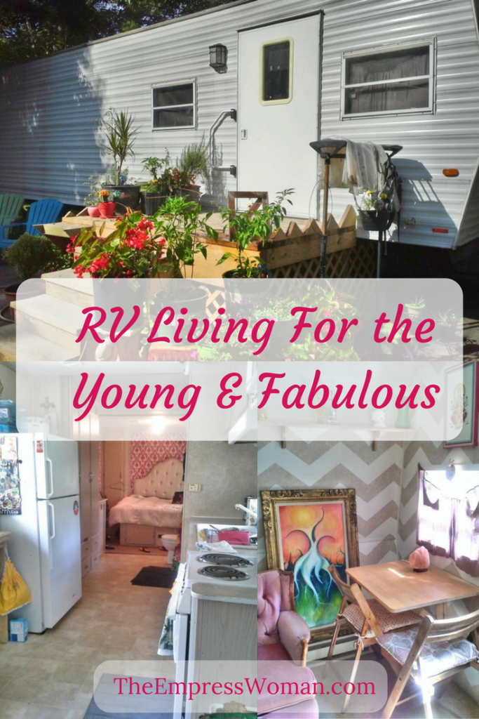What's it like to live in a tiny house? Living in an RV has it's pros and cons.