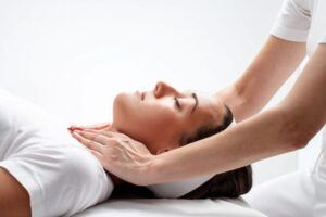 Reiki healing session the empress woman